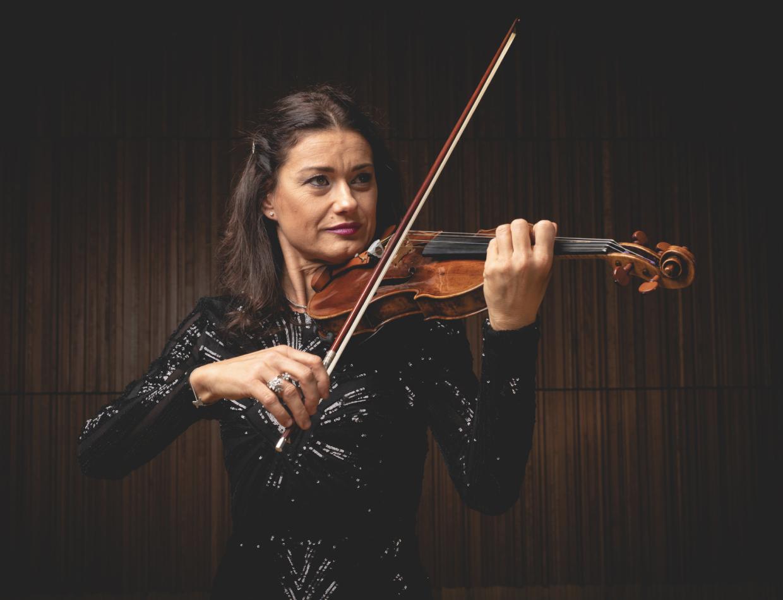 Mihaela Costea – violino